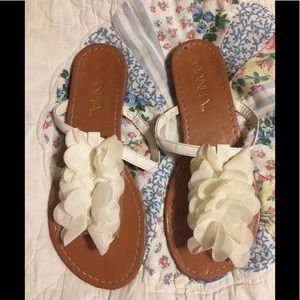Shoes - Pretty Ivory Sandals